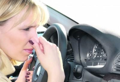 нериємний запах в авто