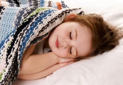 як навчити дитину засинати