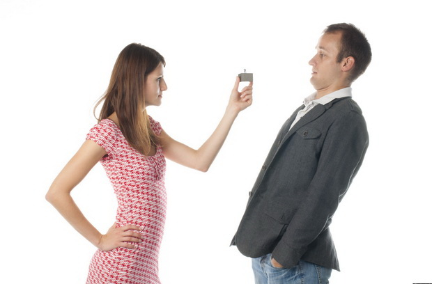 як натякнути чоловікові про весілля