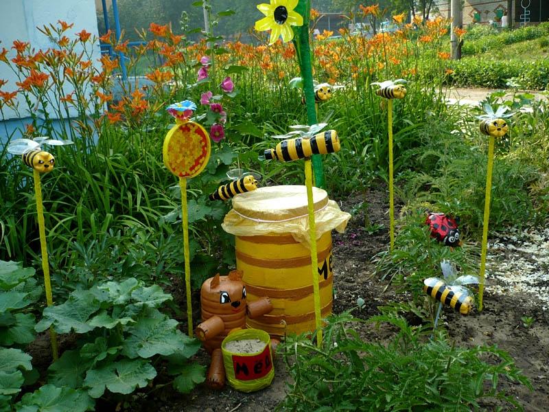 Как украсить огород своими руками из пластиковых бутылок