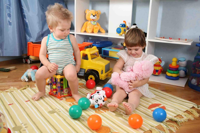 Чому дитина ламає іграшки