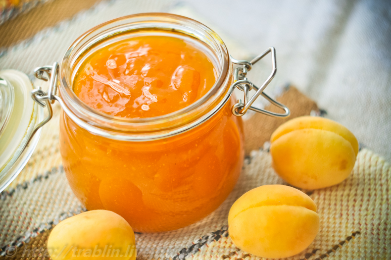 абрикосовий джем